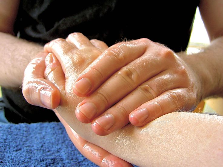 Hand and wrist injuries respond to massage therapy